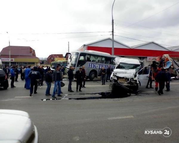 «Факты 24»: ДТП в Новороссийске, охота на поджигателей в Армавире, кредитные мошенники в Краснодаре