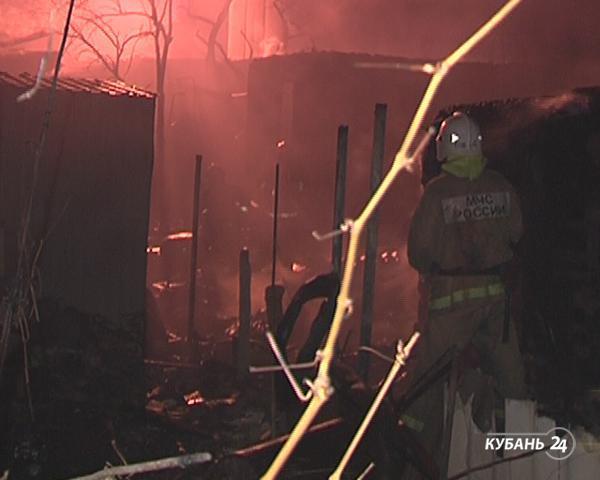 «Факты. Происшествия»: ветерана ВОВ убили из-за денег, при пожаре в Геленджике погибли трое, через границу в чемодане