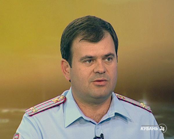 Начальник МРЭО ГИБДД Олег Кузьменков: зарегистрировавшись на портале госуслуг, можно избежать очередей