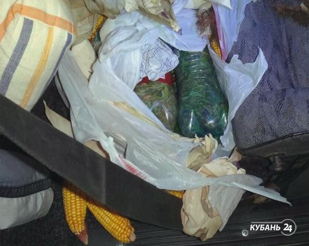 «Факты. Происшествия»: хакеры ограбили «Почту России» через Интернет, сочинец вез наркотики под прикрытием кукурузы, в автосалоне сгорела иномарка