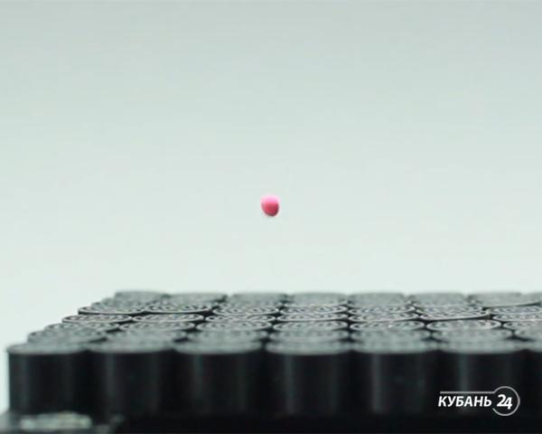 «Факты. Интернет-news»: акустический луч поднимает предметы, защитная пленка «заживляет» царапины, роботом-художником можно управлять взглядом
