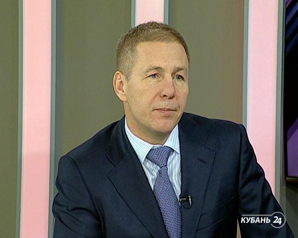 Руководитель УФНС России по Краснодарскому краю Алексей Семенов: по итогам 2014 года было 11 миллиардеров, в этом году пока только семь