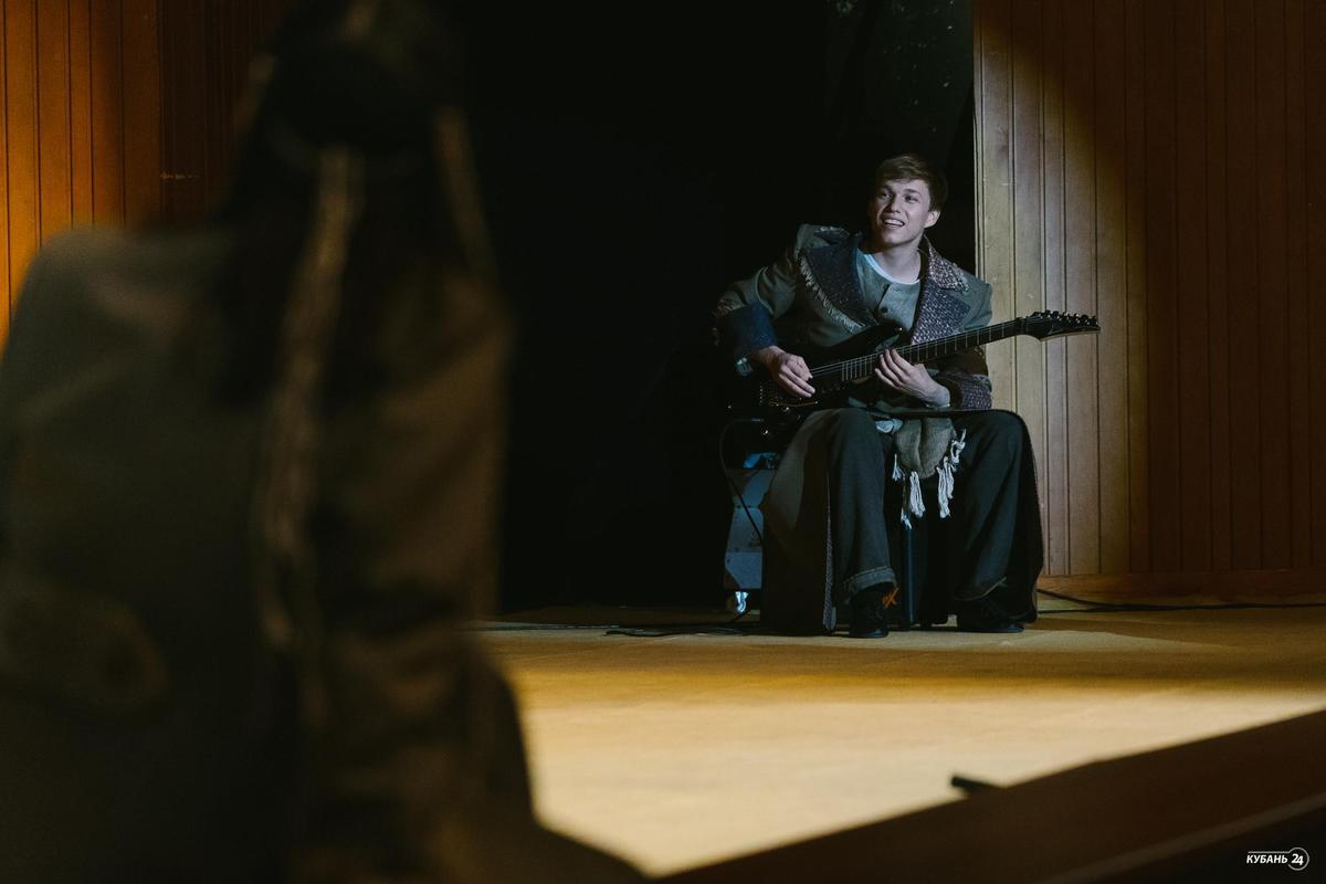 Премьера спектакля «Алые паруса» в драмтеатре Краснодара