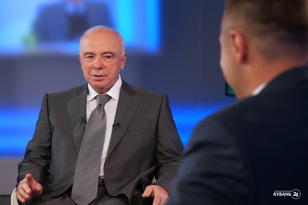 Интервью с главой Адыгеи Асланом Тхакушиновым