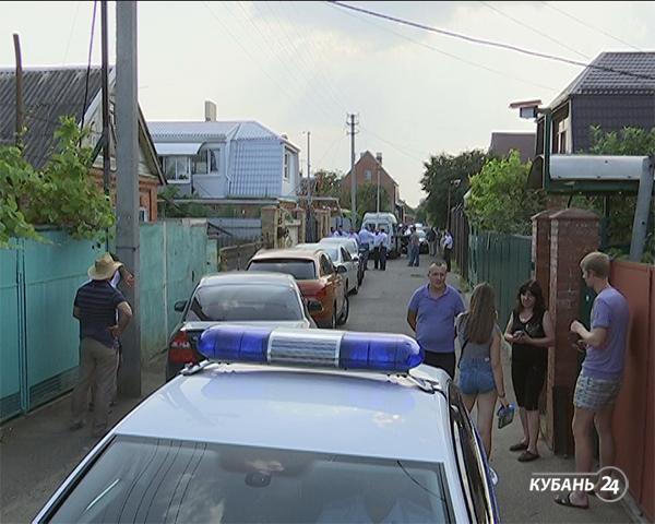 «Факты 24»: в Краснодаре зарезали женщину и троих детей, в Геленджике на аттракционе «Адреналин» пострадала девочка