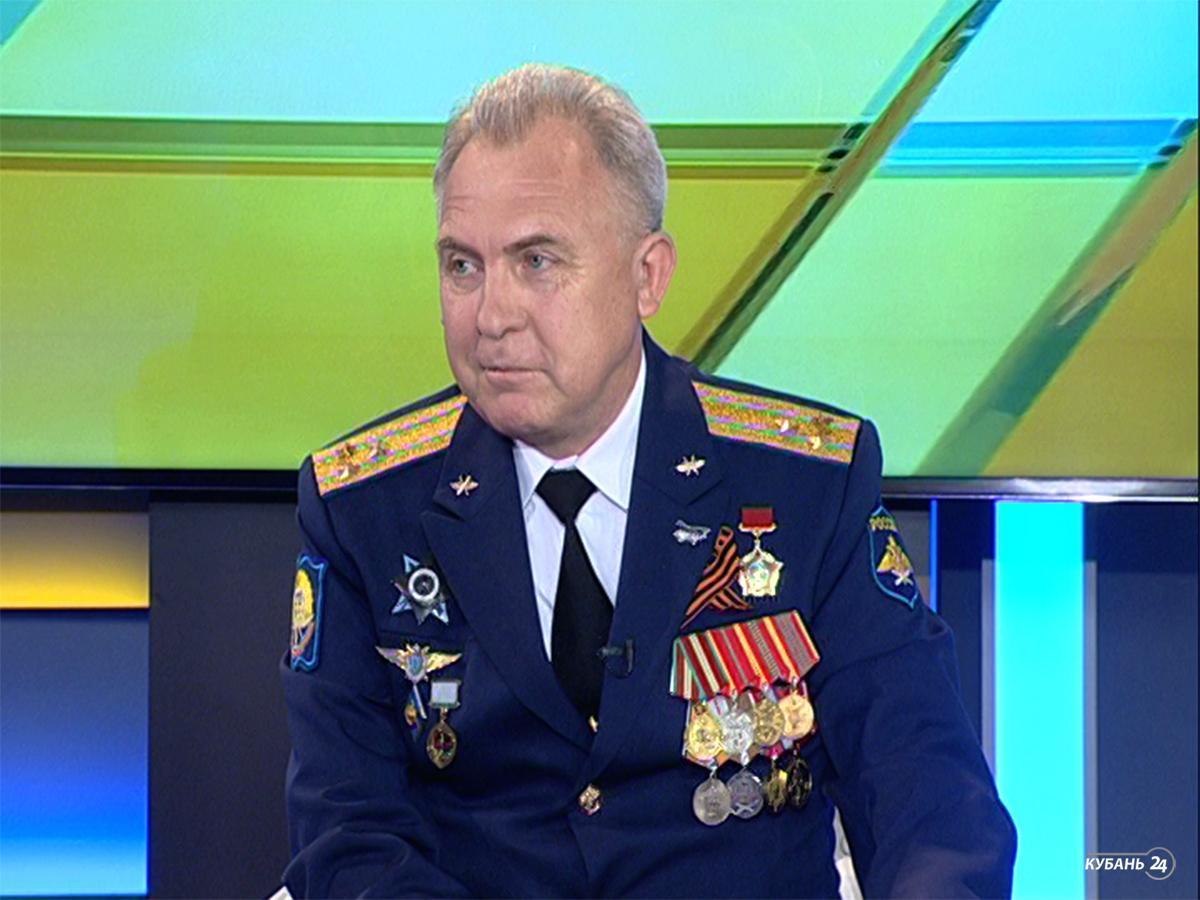 Начальник учебно-методического отдела Краснодарского авиационного училища Игорь Попов: у нас учатся ребята со всей страны