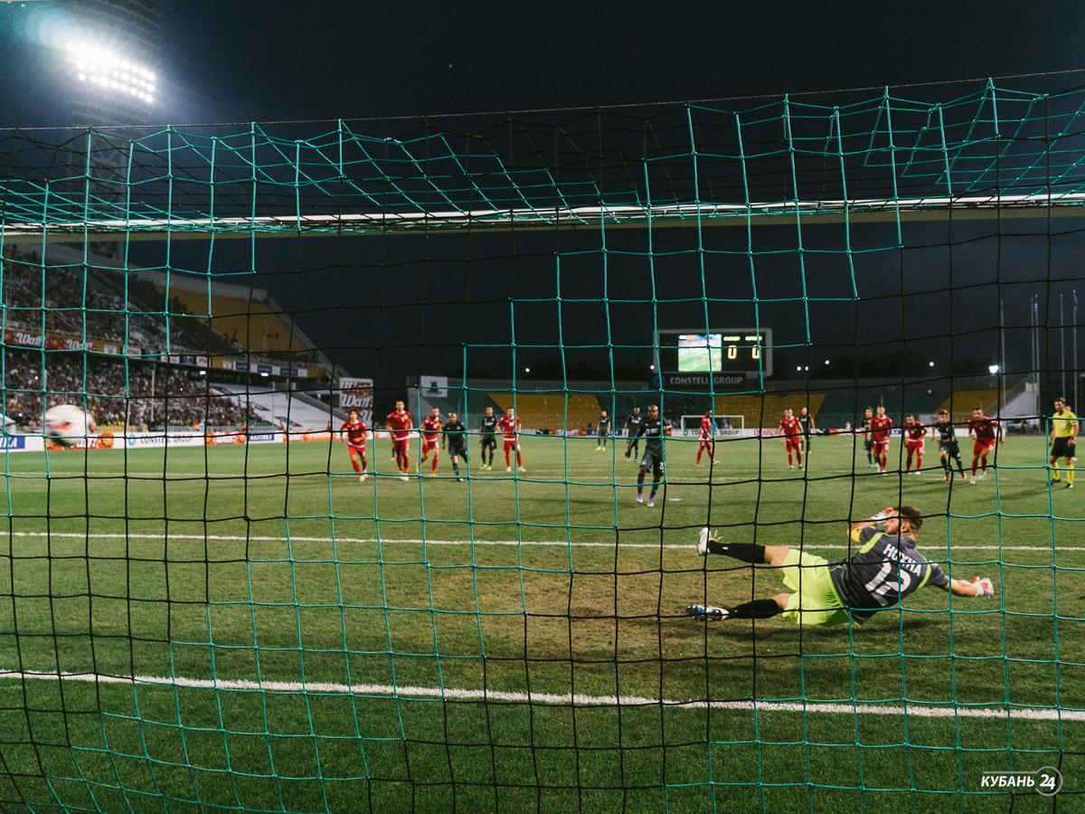 «Факты. Спорт»: ФК «Краснодар» вышел в групповой этап Лиги Европы, ХК «Сочи» дома обыграл финский «Йокерит»