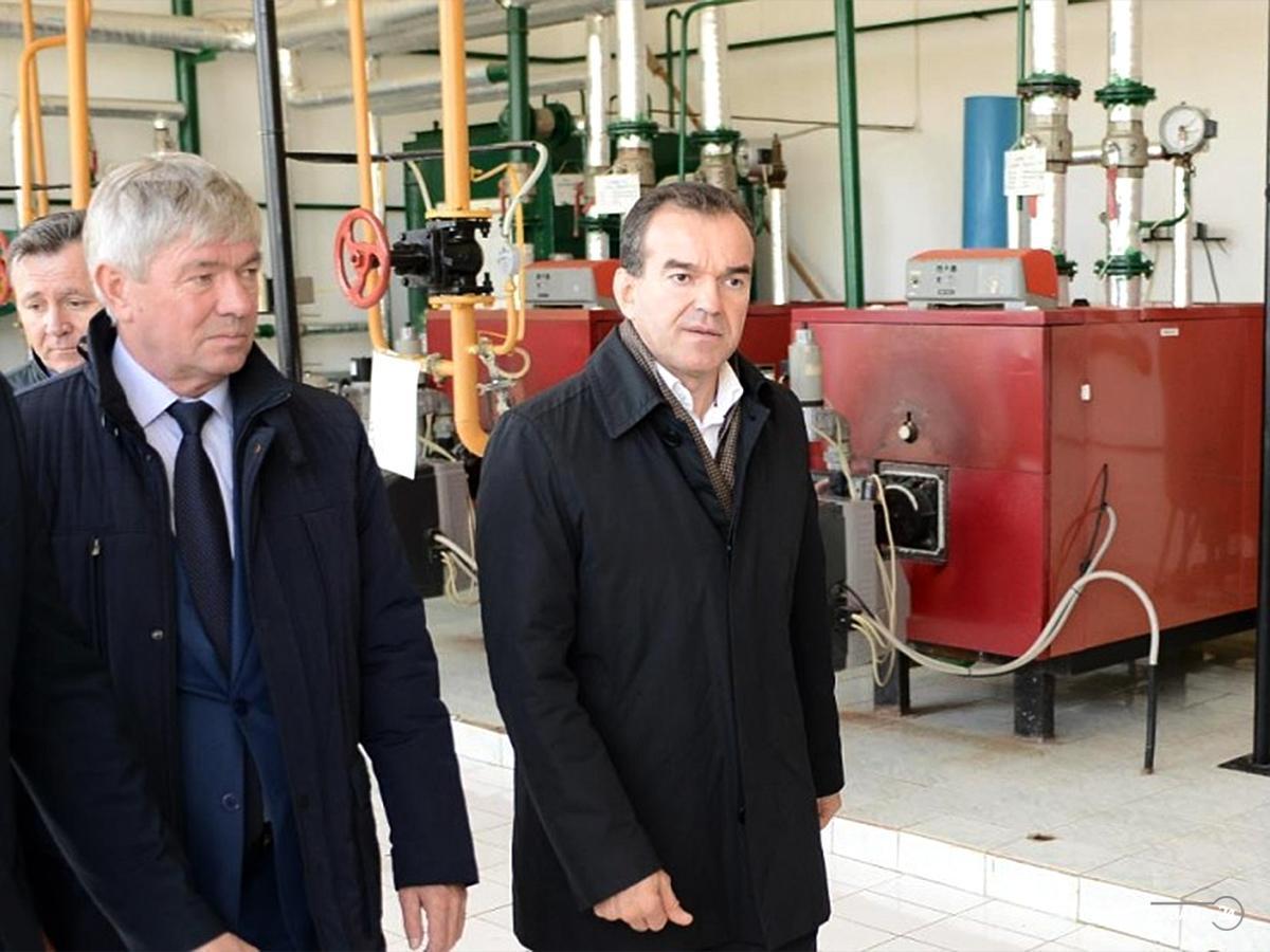 Кондратьев провел совещание по готовности коммунальных служб к отопительному сезону