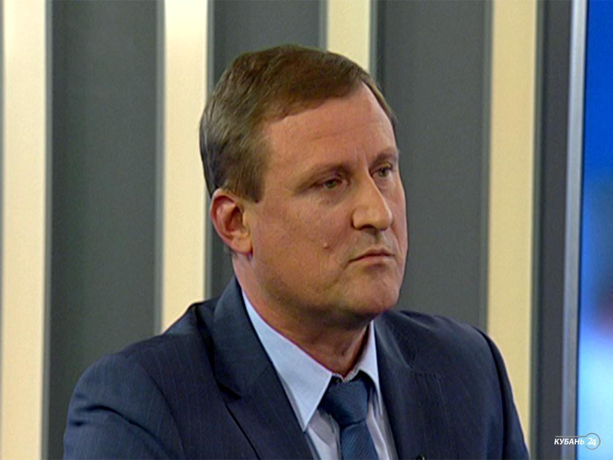 Замруководителя департамента по надзору в строительной сфере Краснодарского края Павел Кошкин: несмотря на тяжелую экономическую ситуацию, количество застройщиков увеличивается на 10%