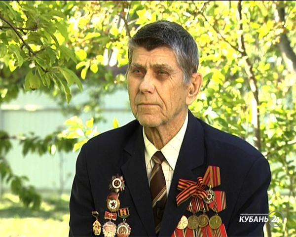 Ветеран Дмитрий Остриков: портной снял с меня мерки, и на третий день я был в офицерской форме — так началась моя служба в восемь лет