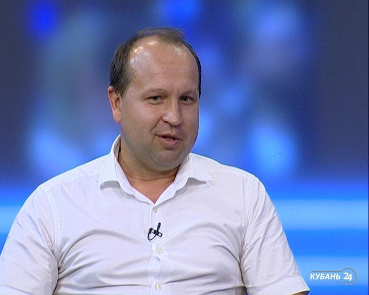 Сотрудник Россельхознадзора Александр Малахов: чаще всего молоко проверяют торговые точки и сами производители