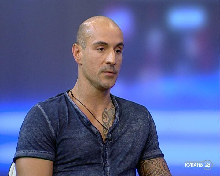 Представитель ресторана Александр Соболев: если люди хотят курить, им надо предоставить место