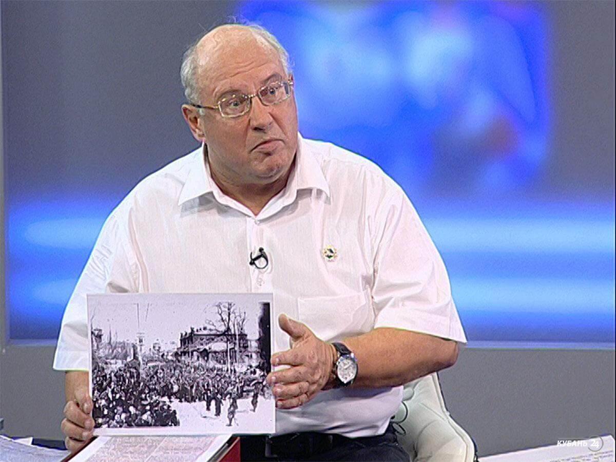 Руководитель государственного архива Станислав Темиров: это самый главный документ нашего края, и теперь он хранится в нашем архиве
