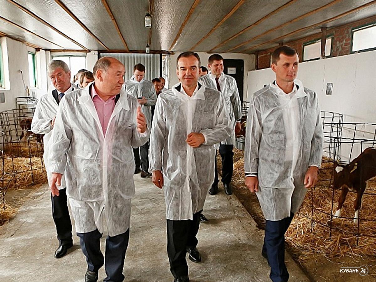 «Факты 24»: Кондратьев поручил решить проблему с ж/д переездом в Калининском районе, в Сочи завершился третий день Всемирного фестиваля молодежи и студентов