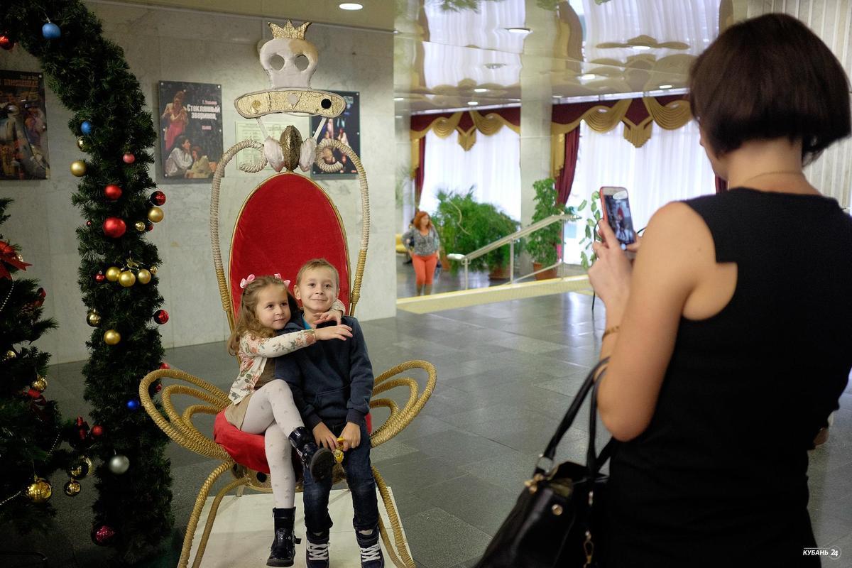 Предпоказ спектакля «Алиса в Стране чудес» в Краснодаре