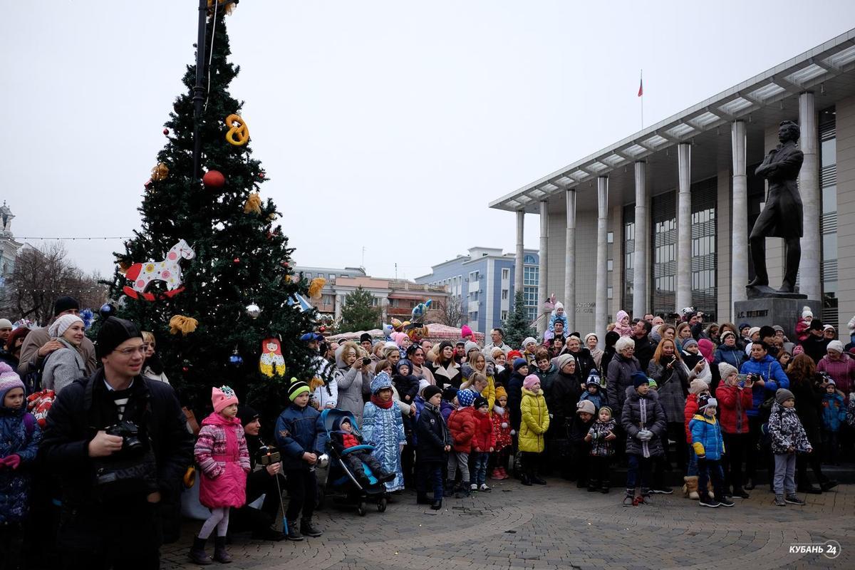 Шествие Дедов Морозов в Краснодаре
