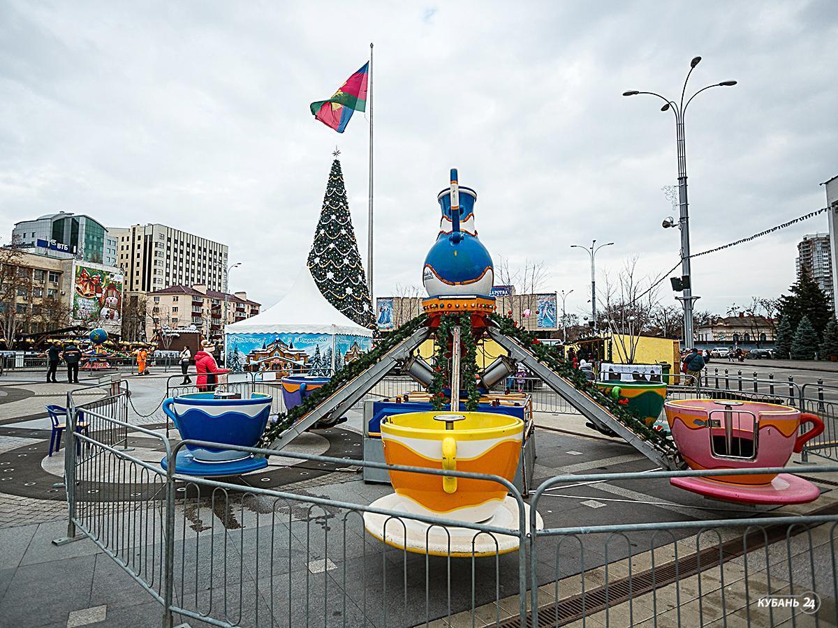 «Факты 24»: в Краснодаре начались новогодние гуляния и открылись ярмарки, Дед Мороз из Великого Устюга поздравил кубанцев