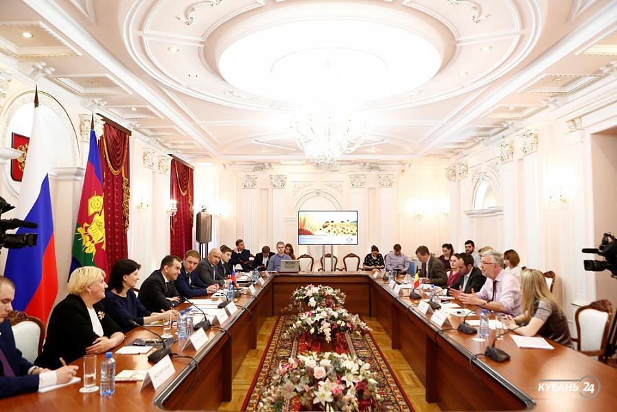 «Факты 24»: Кондратьев встретился с послом Бельгии в РФ, в Краснодаре суд определит законность продажи 17-го этажа в доме на Фабричной