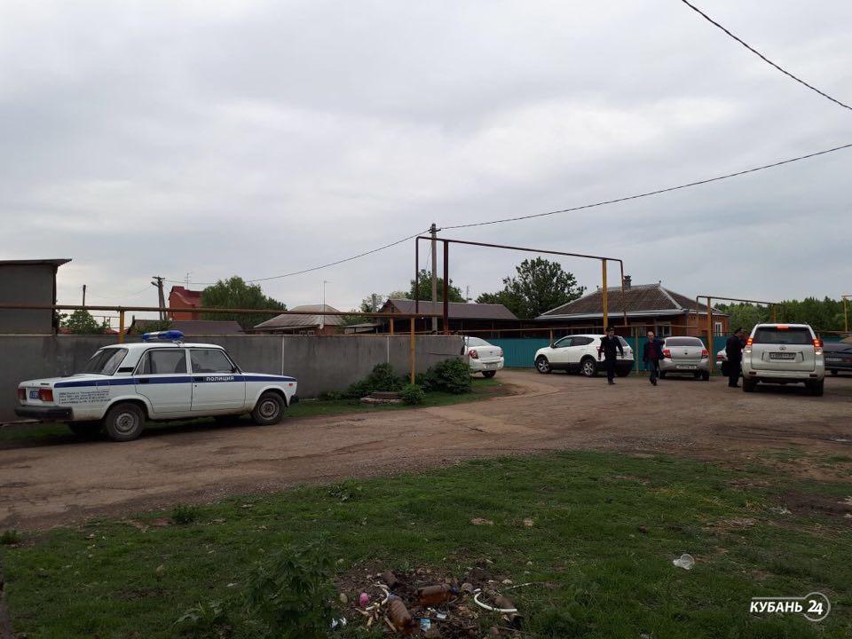 «Факты 24»: в Адыгее неизвестные напали на семью бывшего вице-губернатора Кубани Ахеджака, в Краснодарском крае синоптики прогнозируют грозовые дожди