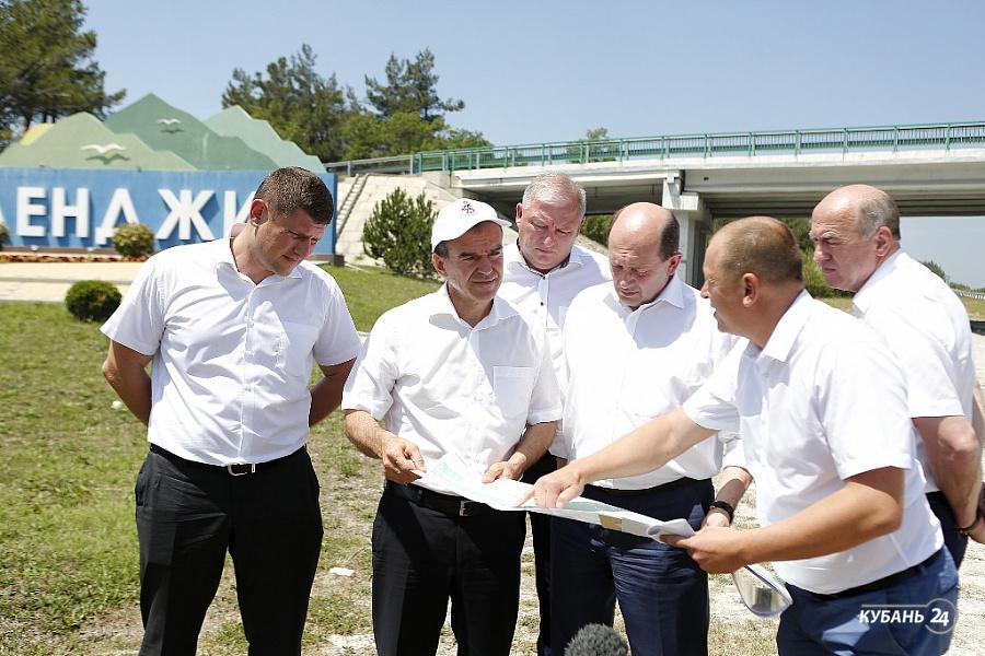«Факты 24»: Вениамин Кондратьев проверил состояние участков трассы М-4 «Дон», в Краснодаре зафиксировали температурный рекорд за 80 лет