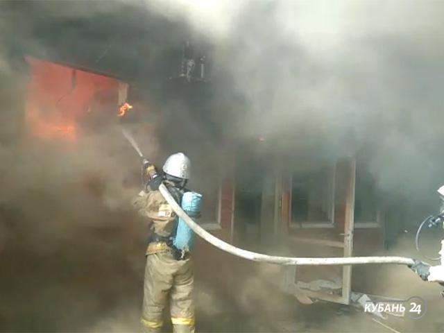«Факты 24»: в Краснодаре произошел пожар в ТЦ на Уральской, в Тимашевском и Брюховецком районах восстанавливают дома после удара стихии