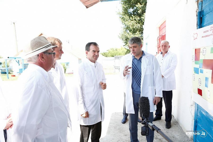 «Факты 24»: Вениамин Кондратьев с рабочим визитом посетил Кущевский район, на Кубани спасатели объявили экстренное предупреждение по жаре