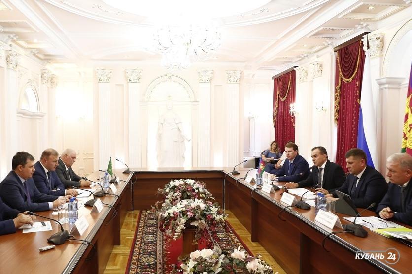 «Факты 24»: Кондратьев встретился с главой Адыгеи, могилу Аршалуйс Ханжиян и ее старый дом сделают объектами культурного наследия