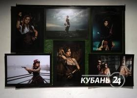 Фотовыставка Deus ex machina в стиле киберпанк в Краснодаре