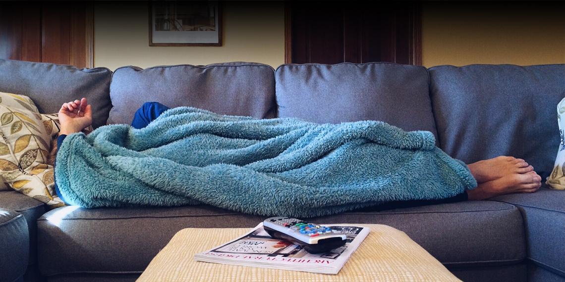 Первомай на диване