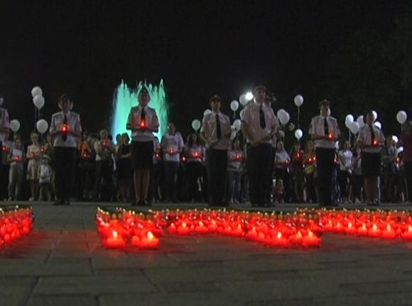 Краснодарцы выпустили в небо воздушные шары в память о жертвах терроризма