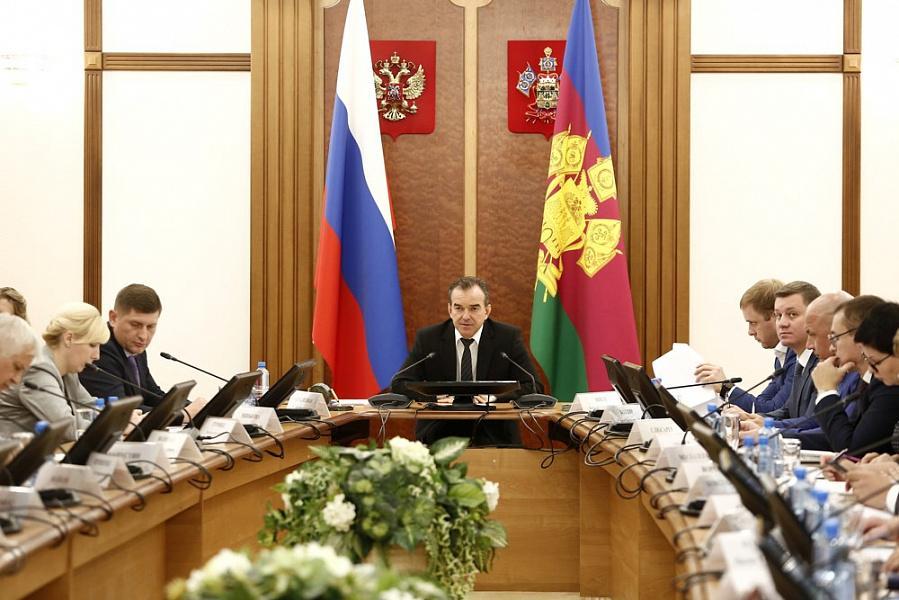«Факты 24»: Кондратьев проверил исполнение поручений в соцсфере, в Краснодаре открылась выставка «Легендарный Калашников»
