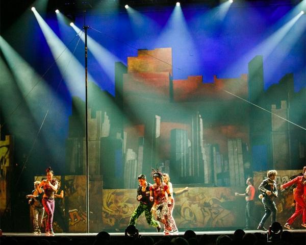В Краснодаре впервые выступил канадский Cirque Eloize