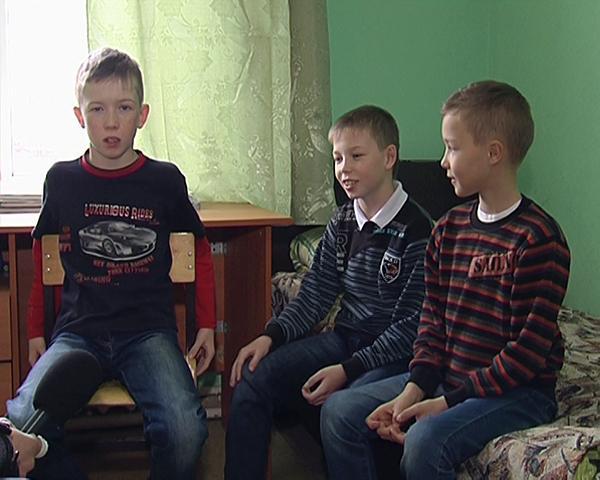 В школу ФК «Кубань» поступили тройняшки
