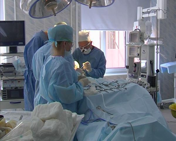 За операцией по удалению опухоли языка в Краснодаре врачи следили в режиме онлайн
