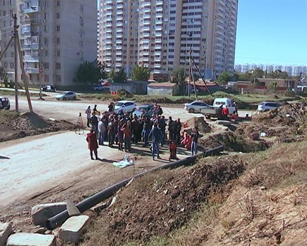 Власти Краснодара пообещали заняться проблемами жителей улицы Домбайской