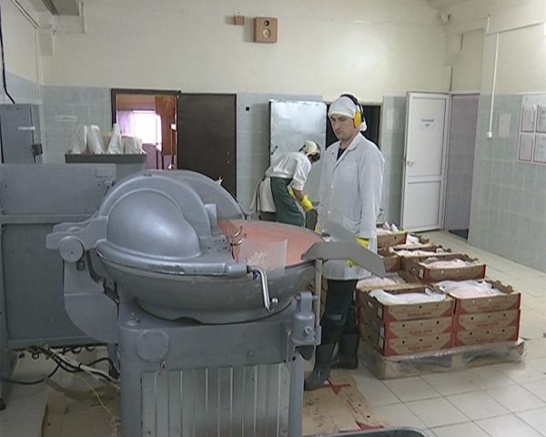 В колонии Апшеронского района разводят перепелов и выпускают сосиски и одежду