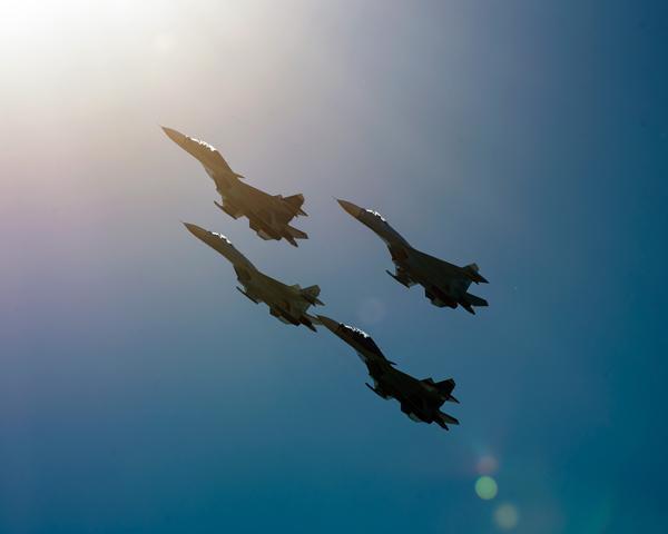 В День защитника Отечества в небе над Армавиром выступили «Стрижи»