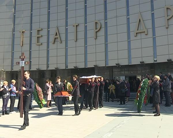 В Краснодаре простились с актером Александром Катуновым