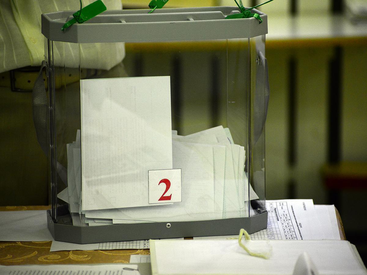 В России в избиркомах начался подсчет голосов