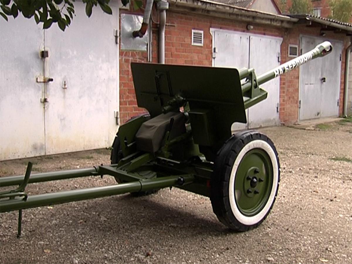 Житель Тимашевска собрал макет пушки времен Великой Отечественной войны