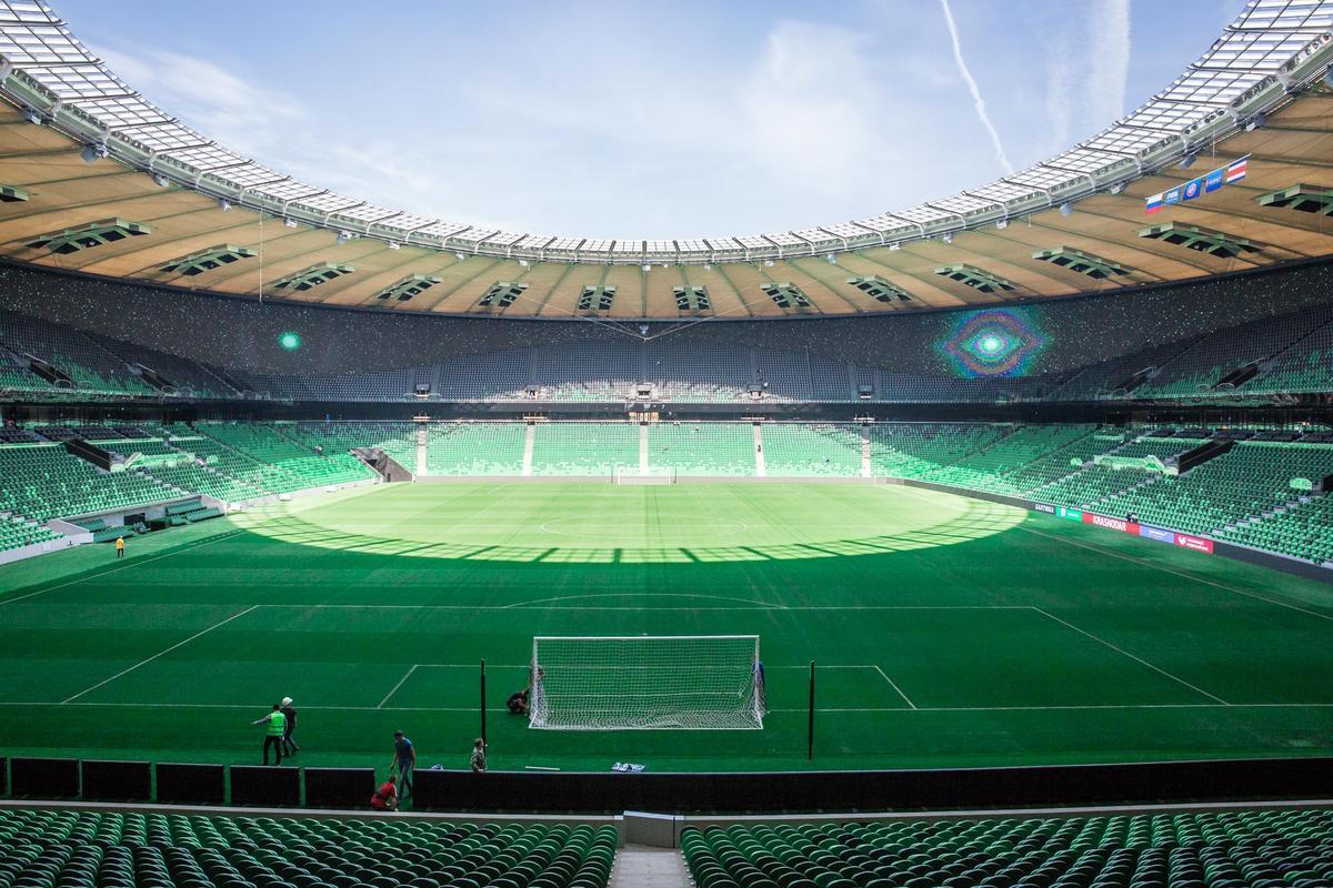 На стадионе ФК «Краснодар» идут последние приготовления к матчу Россия — Коста-Рика