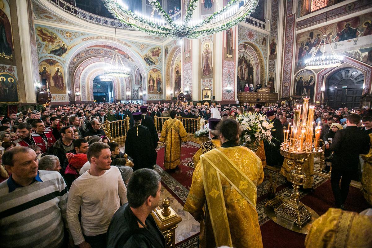 В храмах Краснодарского края на рождественских богослужениях побывали 300 тыс. прихожан