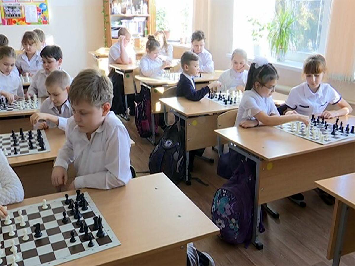 В 35 кубанских школах ввели занятия по шахматам