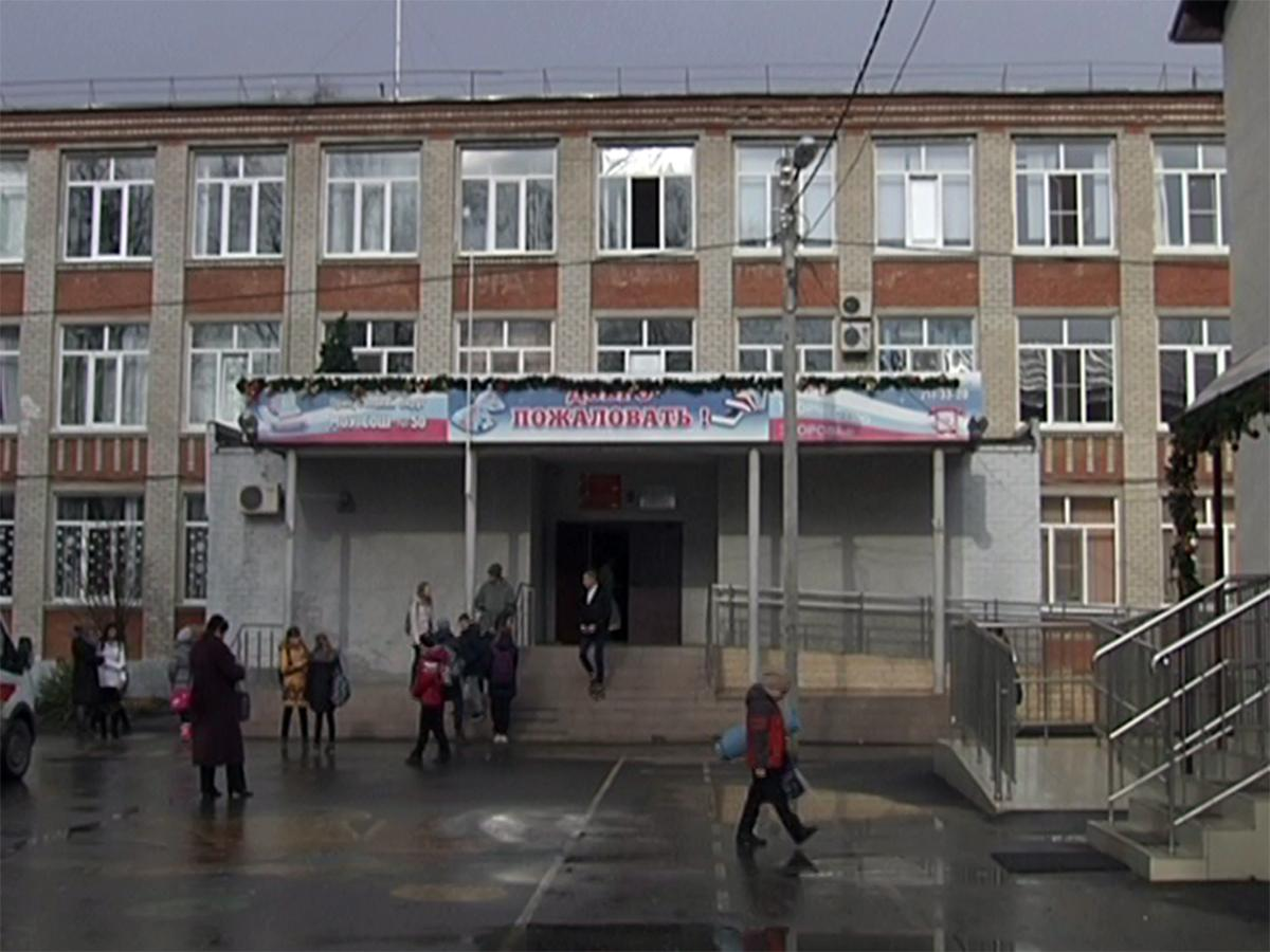 На Кубани в школах проведут профилактические беседы в связи со случаями распыления газа
