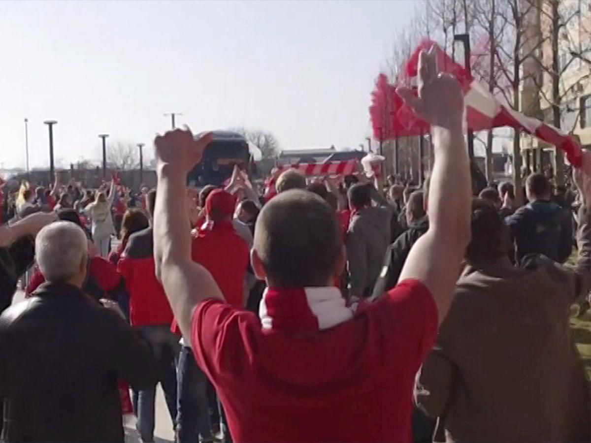 За хулиганские выходки на улицах Краснодара задержали 11 фанатов «Спартака»