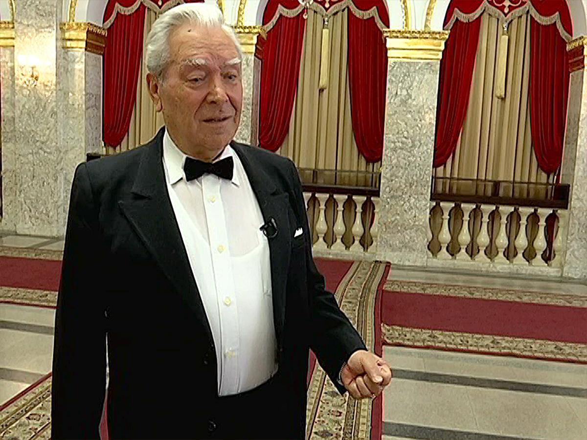 Заслуженный артист РФ Александр Плахтеев отметил 50-летие творческой деятельности