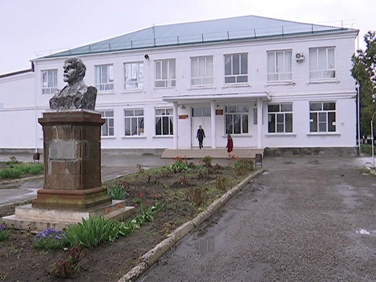 В 2016 году половина выпускников школы в станице Канеловской стали медалистами