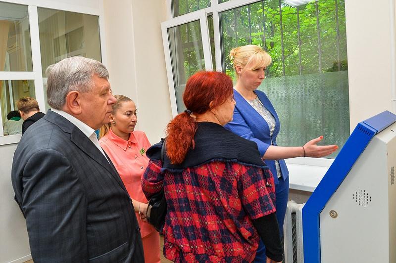 Анна Минькова проверила работу нескольких поликлиник Краснодара
