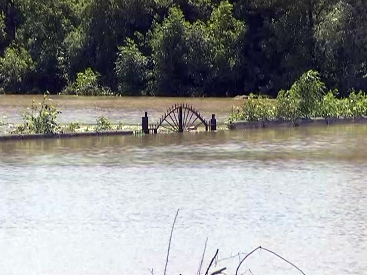 В результате прорыва дамбы в Адыгее затоплены четыре района