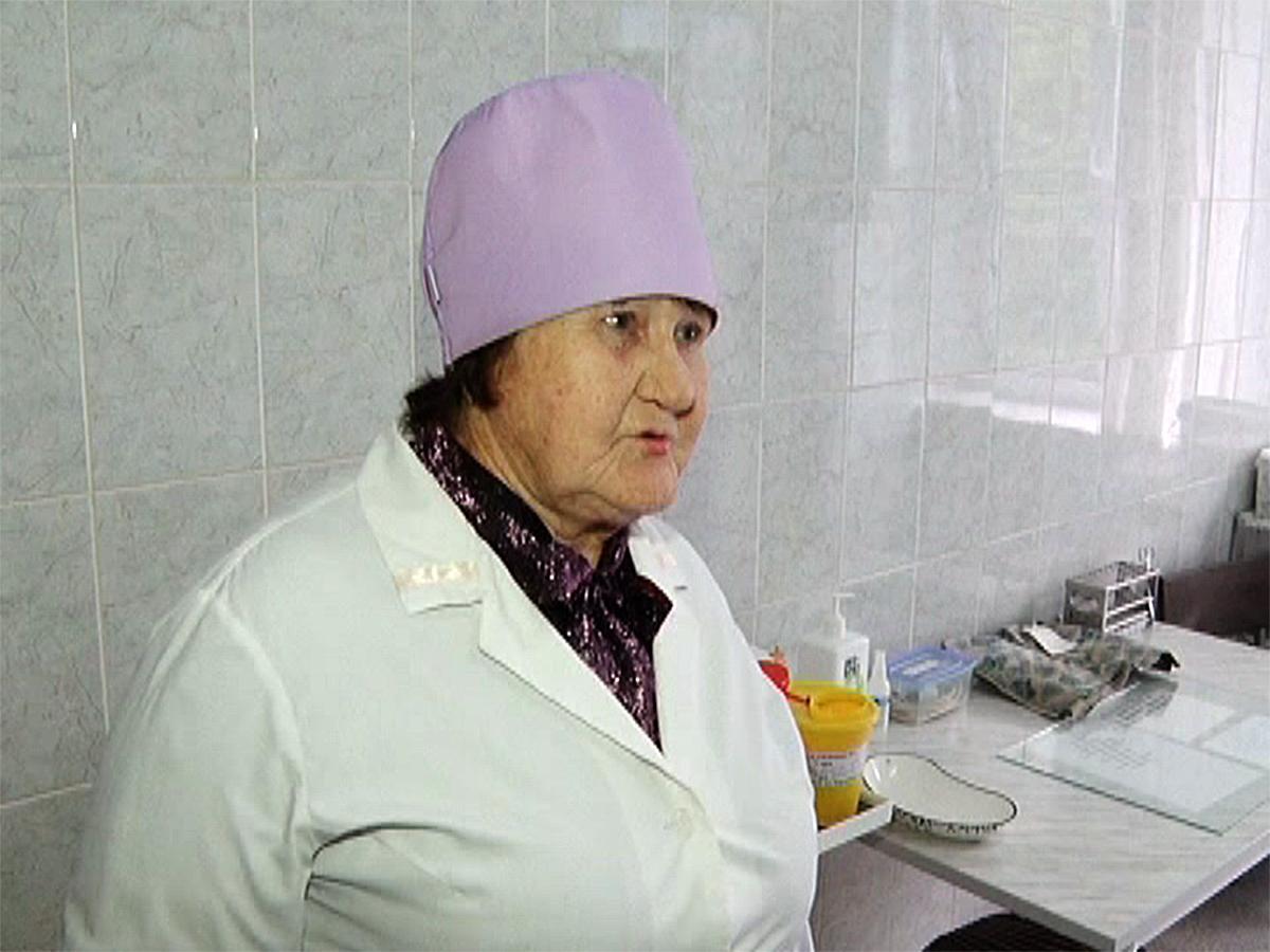 Известная в Новокубанском районе медсестра отметила 80-летие